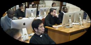Salle de classe à l'Univ. Pont. de la Ste Croix (Rome)