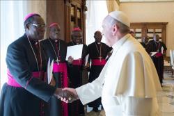 Le Pape salue les Evêques burundais (Photo News.va)